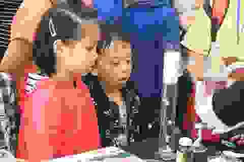 Giáng sinh đầy sắc màu khoa học của học sinh trường Hà Nội - Amsterdam