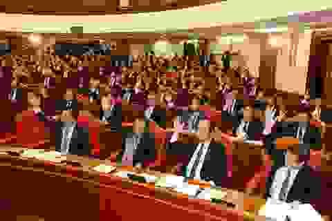 Bộ Chính trị giới thiệu hơn 200 nhân sự để Trung ương cho ý kiến