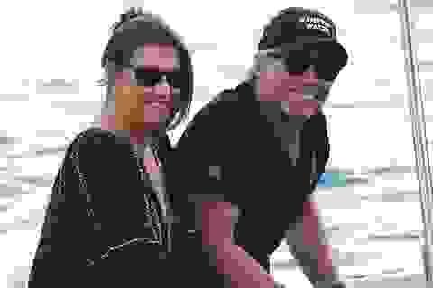Hình ảnh hiếm của Jon Bon Jovi bên vợ