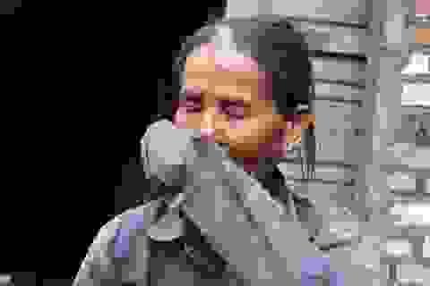 Quá nghèo, người phụ nữ đành nhìn con nuôi bỏ nhà ra đi