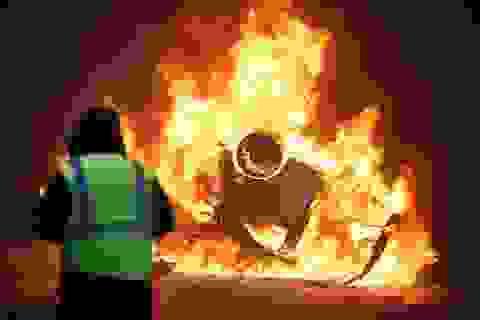 """Cuộc sống """"chạy ăn từng bữa"""" thổi bùng làn sóng biểu tình tại Pháp"""