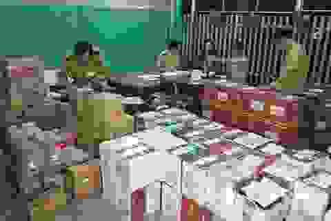 Bắt xe tải chở hơn 3.000 chai rượu ngoại không hóa đơn trên đường đưa tới Phú Quốc