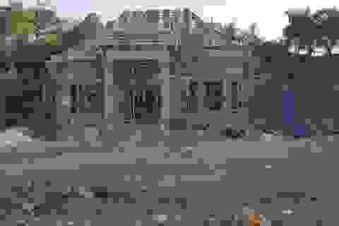 Nghệ An: Xẻ đất lâm nghiệp cạnh đường mòn, xây dựng nhà ở trái phép