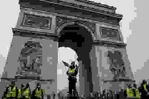 """Những người biểu tình """"Áo vàng"""" gây rúng động nước Pháp là ai?"""
