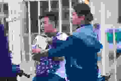 """Vé chợ đen lên """"cơn sốt"""" trước trận bán kết AFF Cup 2018 tại Mỹ Đình"""