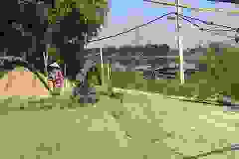 Ngang nhiên chiếm hàng trăm m2 đất để lập bãi cát trái phép tại Hà Tĩnh