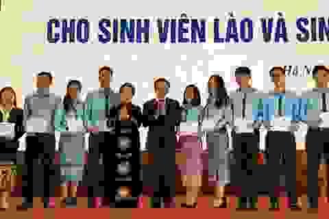 TƯ Hội Khuyến học Việt Nam trao 120 suất học bổng cho sinh viên Lào