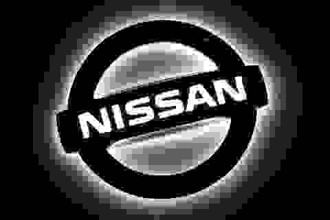 Nissan dồn dập nhận tin dữ