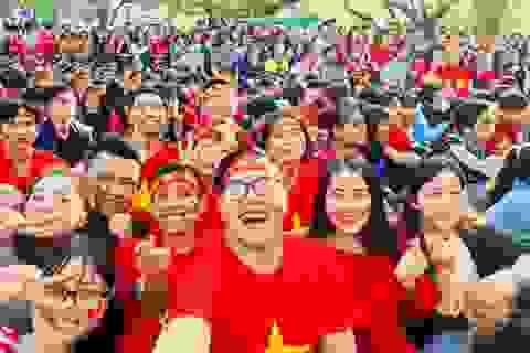 """Chàng sinh viên giỏi kiêm """"thủ lĩnh"""" trong các phong trào tình nguyện"""