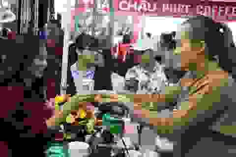 Chen chân thưởng thức cà phê miễn phí tại Ngày hội cà phê Việt Nam