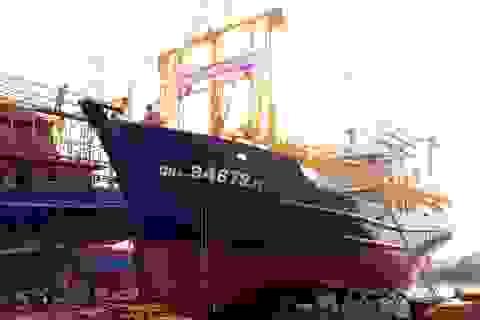 Vụ tàu vỏ thép nằm bờ: Buộc công ty bán máy bồi thường ngư dân