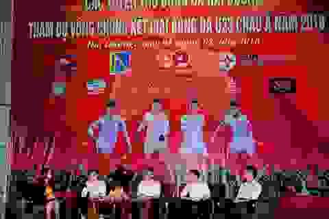 Hàng nghìn người hâm mộ giao lưu cùng tuyển thủ U23 quê Hải Dương