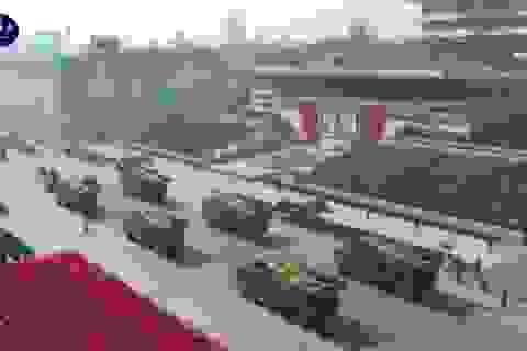 Tên lửa bí ẩn xuất hiện trong lễ duyệt binh Triều Tiên