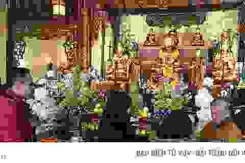 Người Việt tại Pháp đi lễ chùa đầu năm