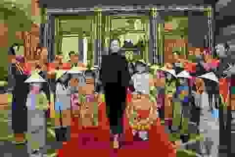 Ái nữ gia tộc họ Trương rạng rỡ đón tiếp thầy trò Park Hang Seo