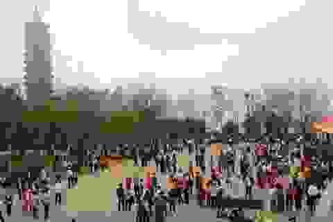 Du khách đến Ninh Bình tăng cao kỷ lục đầu năm mới Mậu Tuất 2018