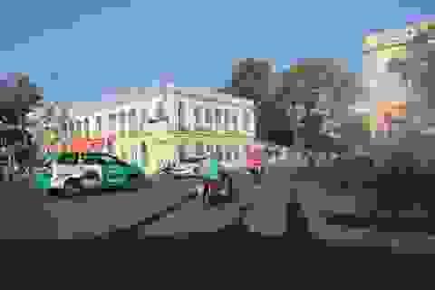 Đường phố Sài Gòn thênh thang trong ngày làm việc đầu năm