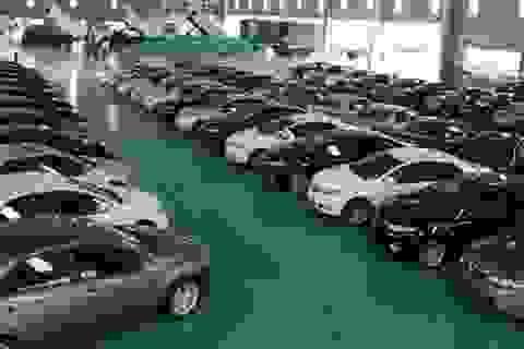 Siết kiểm tra trị giá ô tô nhập khẩu