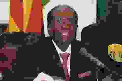 """Cựu Tổng thống Zimbabwe nuối tiếc tiệc sinh nhật """"quốc dân"""""""