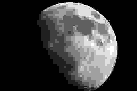 Mặt trăng có thể được bao phủ trong nước