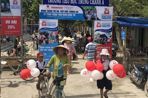 """Doanh nghiệp xuyên Việt để """"tiếp sức tương lai"""""""