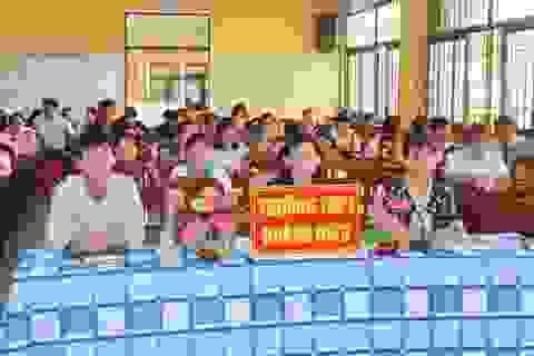 Ngành giáo dục Sóc Trăng lần đầu tiên hội nghị trực tuyến với các trường trực thuộc Sở