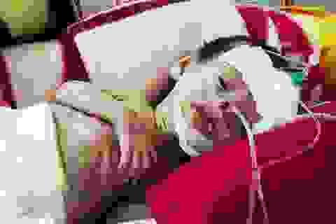 Xót lòng cháu bé chào đời bằng phương pháp thụ tinh ống nghiệm bị đa dị tật