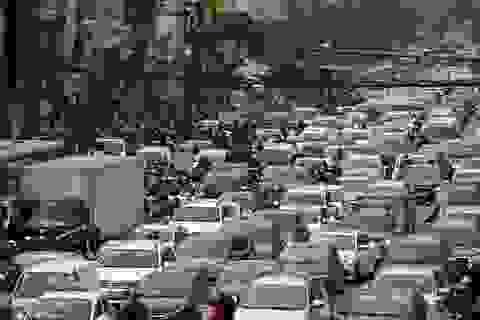 Hà Nội bùng phát tắc đường dịp giáp Tết