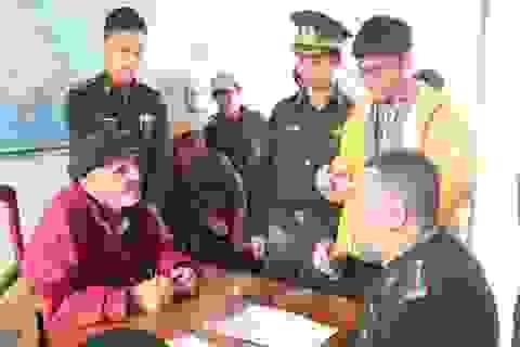 Ngư dân Quảng Ngãi cứu sống tay chơi thuyền buồm Mỹ gặp nạn