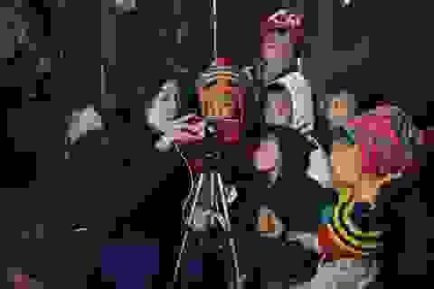 Hoa hậu Mỹ Linh bất ngờ làm MC hiện trường bản tin thời sự của VTV