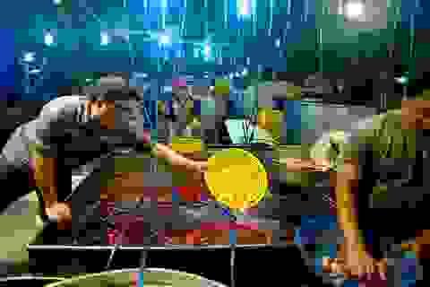 Chợ cá chép nhộn nhịp lúc nửa đêm ở Sài Gòn
