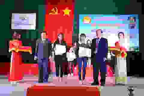 Quảng Ngãi: Trao học bổng Phạm Văn Đồng đến 275 sinh viên