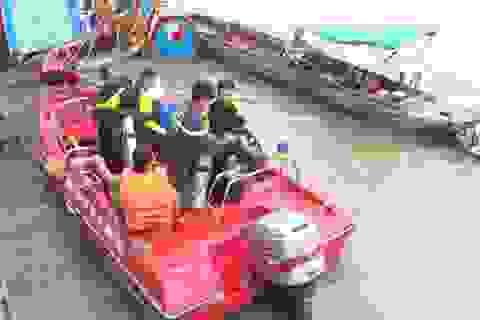 Nam công nhân trượt chân rơi xuống sông tử vong