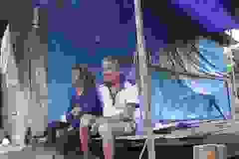 Dân dựng lều giữa đồng đón Tết: Ở lều tạm đến bao giờ?