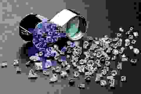 Bất ngờ phát hiện kim cương, ngọc bích trong bảo tàng nghi là… giả