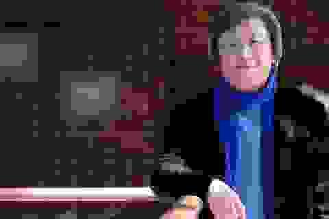 """30 năm làm gia công, """"vua túi"""" Hàn Quốc thành tỷ phú ở tuổi 62"""