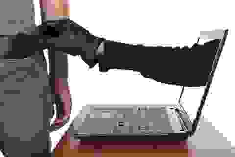 """Những trò lừa đảo công nghệ cao khiến bao người """"khóc dở mếu dở"""""""