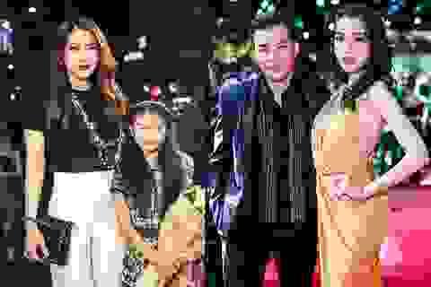 Trương Ngọc Ánh xuất hiện cùng con gái, Trần Bảo Sơn sánh đôi thảm đỏ với Elly Trần