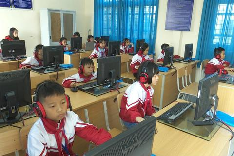 Hơn 65.000 thí sinh tham gia cuộc thi Olympic tiếng Anh trực tuyến