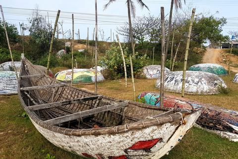 Nát như tương con đường thuyền thúng nhận kỷ lục Việt Nam