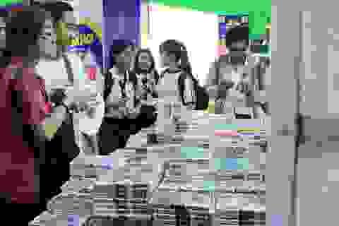 Ngày đầu khai trương, Hội sách TPHCM đã thu hút đông đảo độc giả