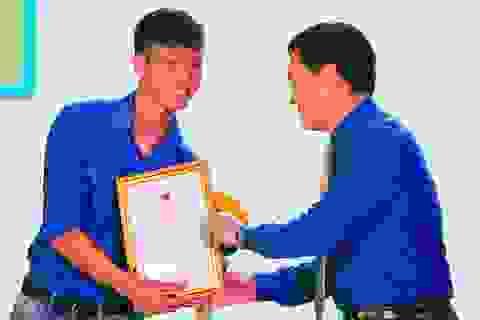 Hai tuyển thủ U23 Việt Nam được vinh danh thanh niên tiêu biểu Nghệ An