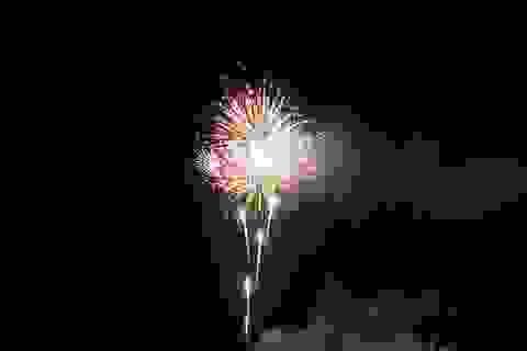 Pháo hoa rực sáng chào mừng TP Hội An 10 năm thành lập