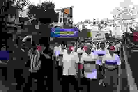 Đi bộ hướng về y tế cơ sở và hưởng ứng ngày thế giới phòng chống Lao