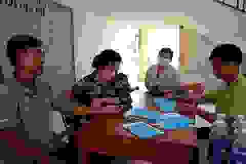 Cảnh sát biển tặng quà, khám chữa bệnh giúp dân huyện đảo Lý Sơn