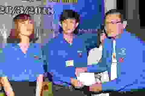 Trao học bổng cho sinh viên khó khăn nhân dịp sinh nhật Đoàn