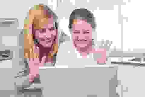 Bí quyết hạnh phúc: Sử dụng internet hàng ngày?