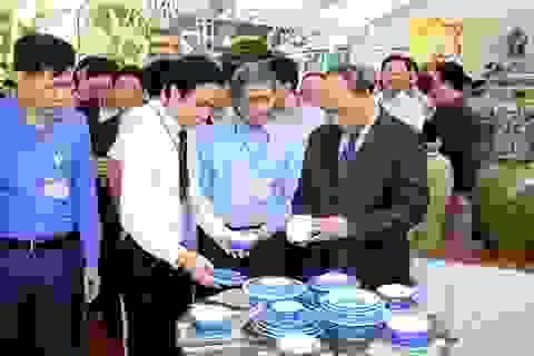 Thủ tướng kỳ vọng Bát Tràng thành làng nghề truyền thống kiểu mẫu