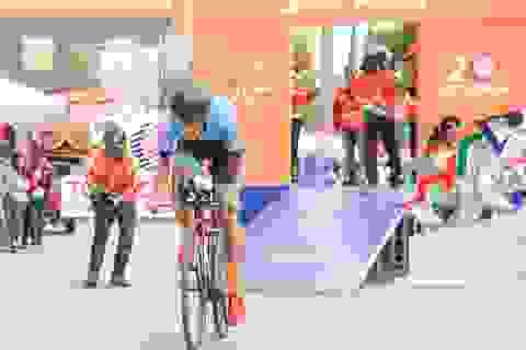 Tay đua người Pháp thắng chặng đầu giải xe đạp xuyên Việt - cúp truyền hình TPHCM 2018