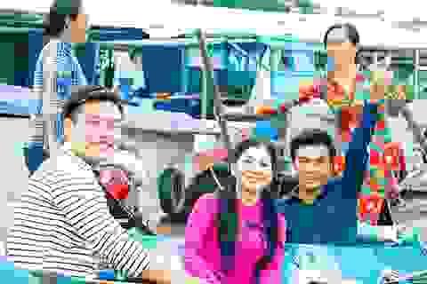 Nghệ sĩ Phượng Loan, Võ Minh Lâm hát vọng cổ trên Chợ nổi Cần Thơ